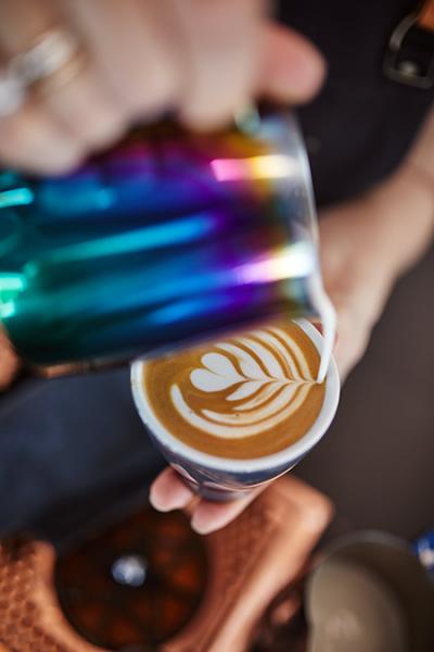 Wildkaffee Rösterei - Latte Art erstellen